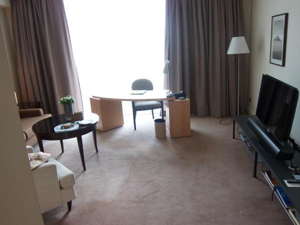 hotel ritz carlton wolfsburg d k chenreise. Black Bedroom Furniture Sets. Home Design Ideas