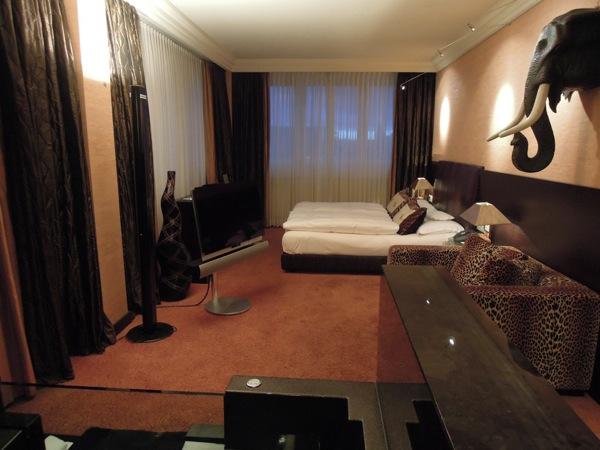 hotel savoy k ln d k chenreise. Black Bedroom Furniture Sets. Home Design Ideas